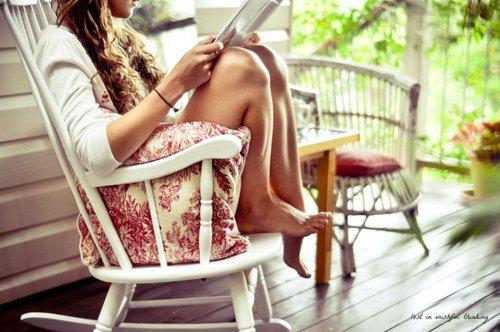 « Notre vie est un livre qui s'écrit tout seul. Nous sommes des personnages de roman qui ne comprennent pas toujours bien ce que veut l'auteur. » - Julien Green