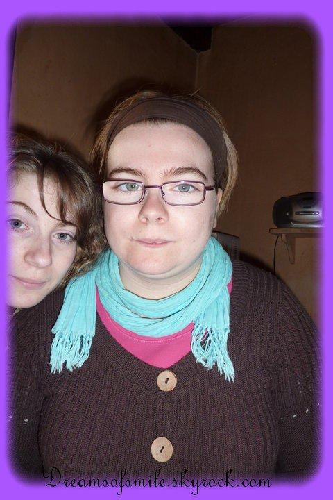 Emilie, ma grande soeur, mon amour, la meilleure de mon coeur, elle me connait par coeur je l'aime bien plus que tout