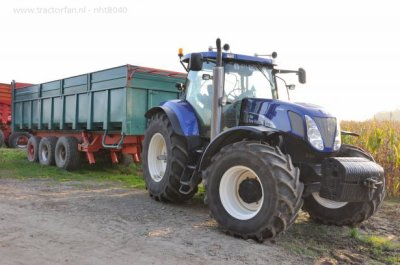 NEW HOLLAND T7070 ENSILAGE