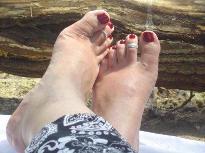 avis aux fétichistes du pied féminin