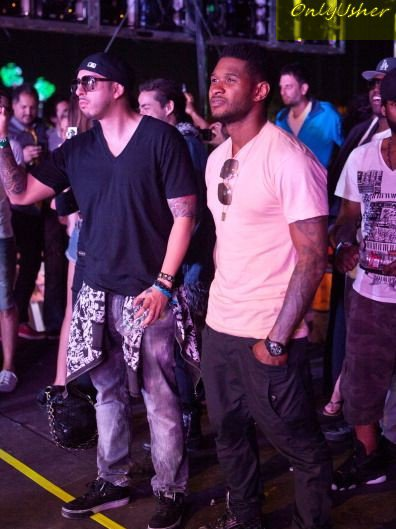 Usher et ses amis at 2011coachella music and arts Festival (2eme jour)