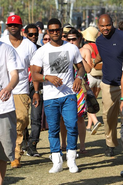Usher et ses amis at 2011coachella music and arts Festival (3eme jour)