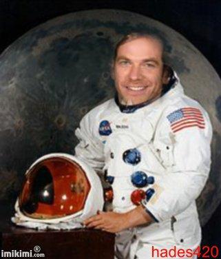 Garou en astronaute