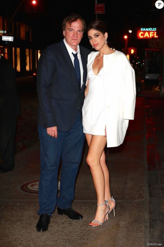 le mariage de Quentin Tarantino et de sa compagne serait célébré courant 2018,  mais que les préparatifs battaient encore leur plein. L'endroit n'aurait par exemple pas encore été défini.