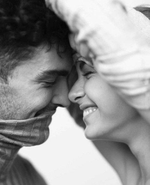 « On a pas besoin d'un conte de fée, on a juste besoin de quelqu'un avec qui on est bien. » « Pensez à toutes les belles choses que la vie peut vous procurer et accrochez -vous à elles tant qu'elles existent . »« On a pas besoin d'un conte de fée, on a juste besoin de quelqu'un avec qui on est bien. »