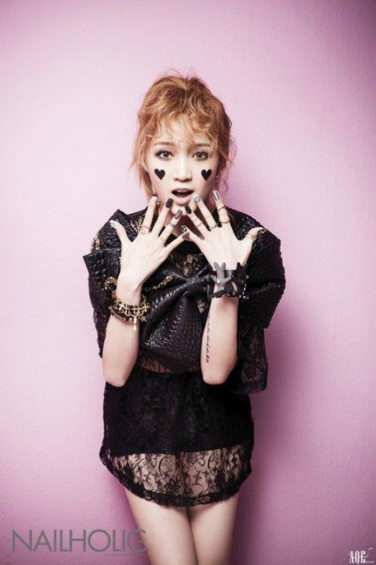 Jia (miss A) pose pour NAILHOLIC