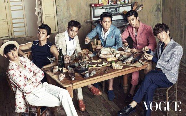 Les membres de 2PM posent pour le magazine Vogue