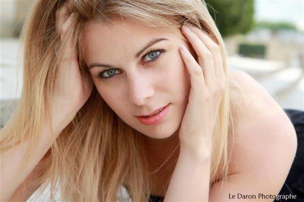 Virginie Molina (Elodie)