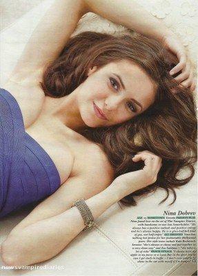 Voici deux scans de Nina Dobrev pour Hello magazine