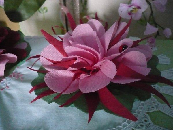 De Jolies Fleurs Avec Des Serviettes En Papier Les P Tites Mains