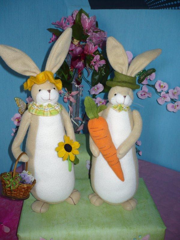 Jeannot et Jeanette vous souhaitent  de bonne fêtes de Pâques .