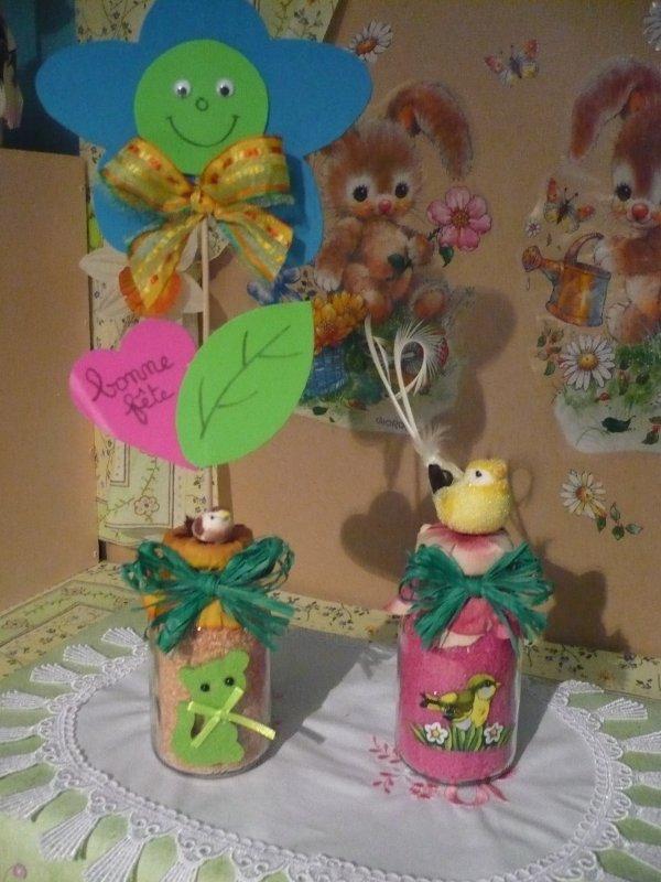 Les petits pots décorés .