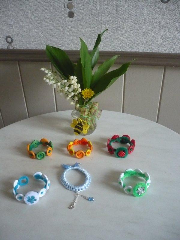 Des bracelets pour les Miss Pitchounettes ...