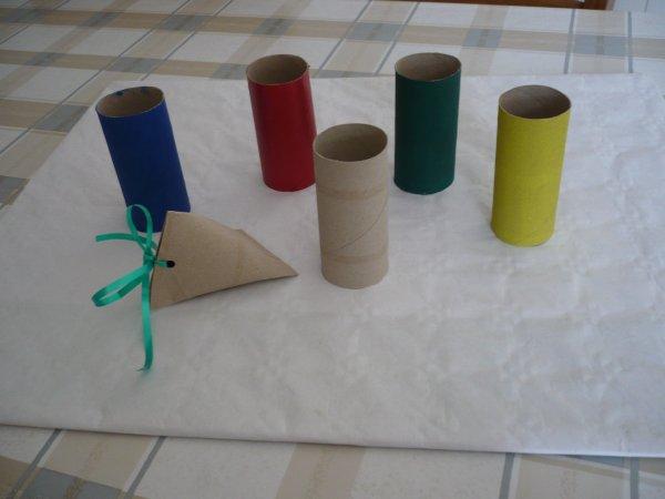 D' autres modèles de paquets cadeaux en forme de berlingot .