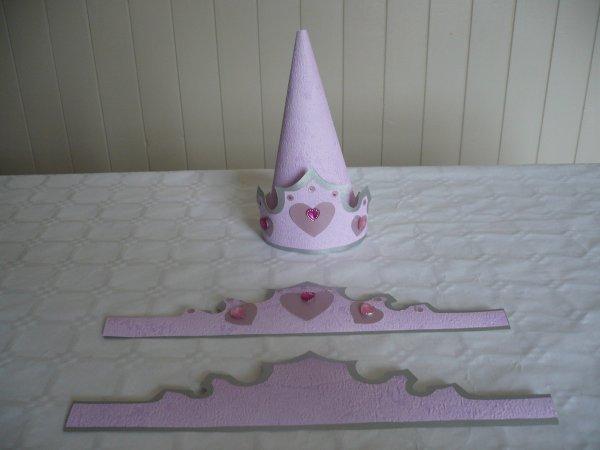 Un porte serviette en forme de couronne