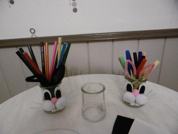 Un petit pot de yaourt en verre déguisé en lapin !!!