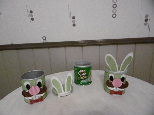 Mr Pringles déguisé en lapin pour Pâques