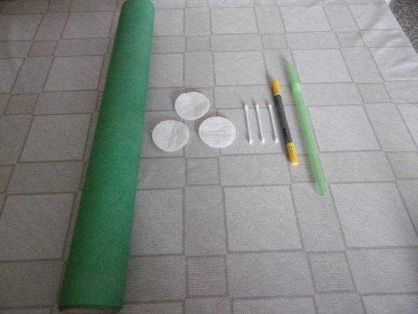 des fleurs d 39 arum avec des cotons d maquiller les p 39 tites mains bricoleuses. Black Bedroom Furniture Sets. Home Design Ideas