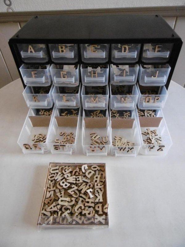 Idée pour ranger les lettres alphabet en bois .