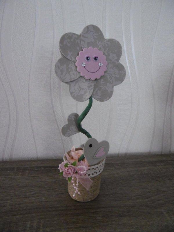 Un autre modèle de la fleur et l'oiseau .