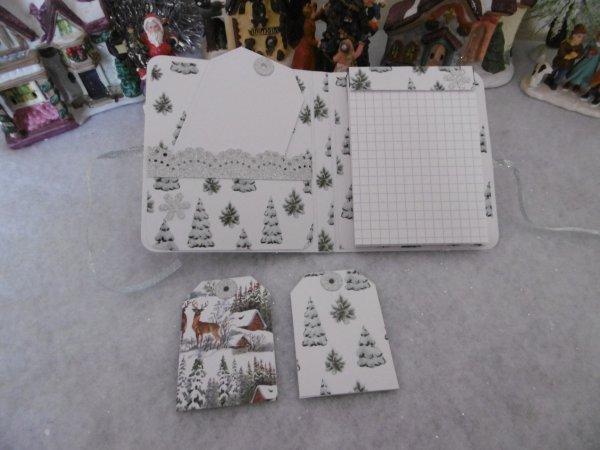 Une carte de V½ux en 3D et un carnet bloc-notes .