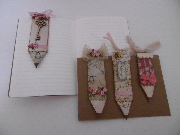 Un paper clip , crayon en papier origami