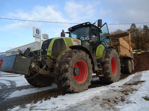 Chantier de TP 2011 --> --> Claas Axion 850