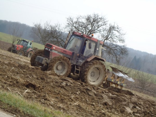 Labour 2011 --> --> Case Ih 845 XL