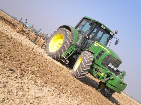Préparations des Terres 2011 --> --> John Deere 7530 Prémium