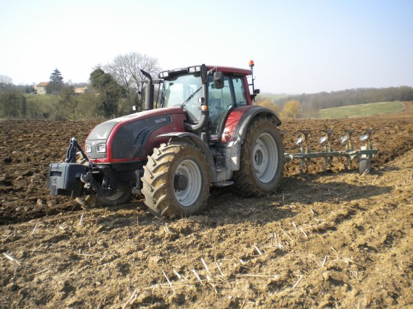 Labours 2011 --> --> Valtra T202
