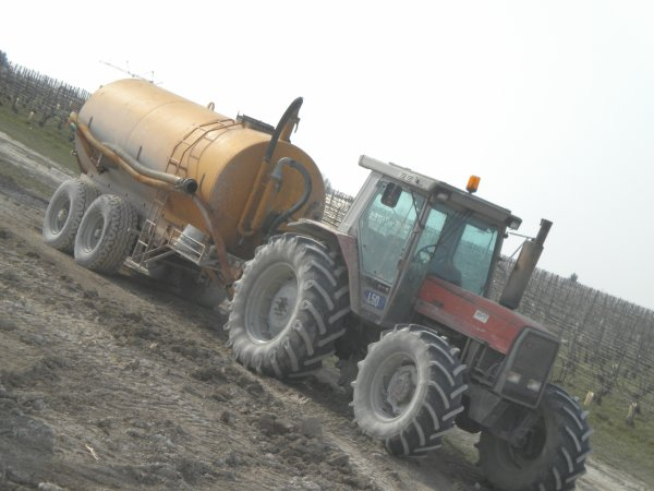 Chantier de TP--> --> Caterpilar et Massey-Fergusson