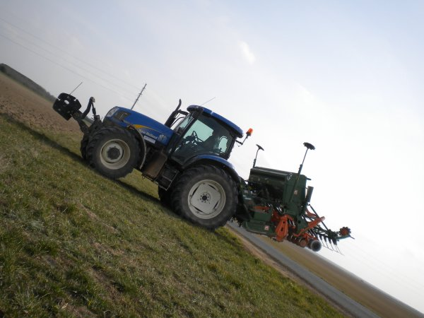 Semis 2011 --> --> New Holland Ts 125