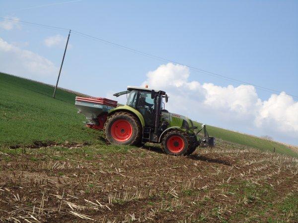 Engrais 2011 --> --> Claas Arion 520