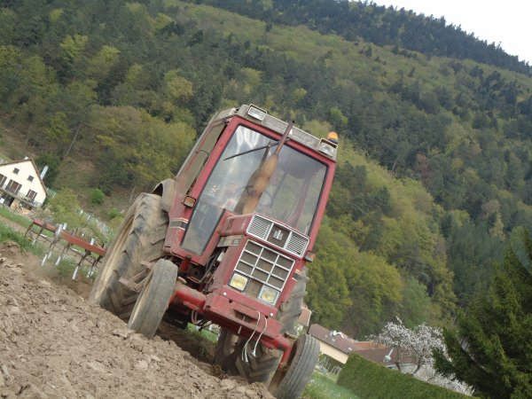 Reprises des labours--> --> International 745 XL