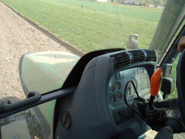 Reprises des Labours 2011 --> --> Deutz-Fahr M600