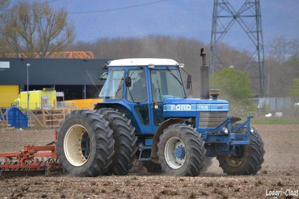 Préparations des Terres 2012 --> --> Ford TW-15