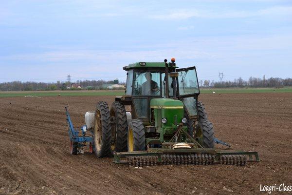 Semis de Betteraves 2012 --> --> John Deere 3040 Jumelés Arrière