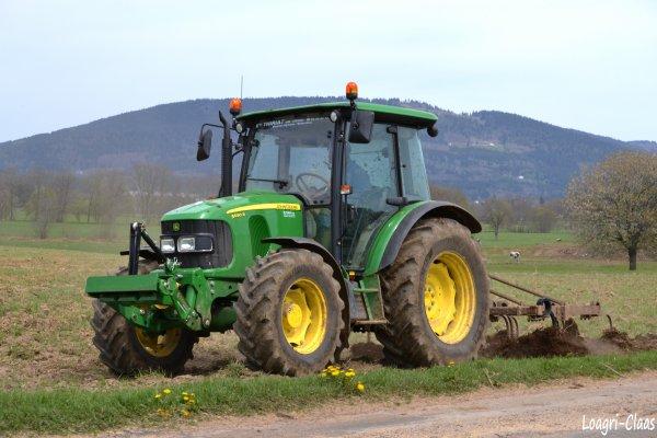 Déchaumage 2012 --> --> John Deere 5090r