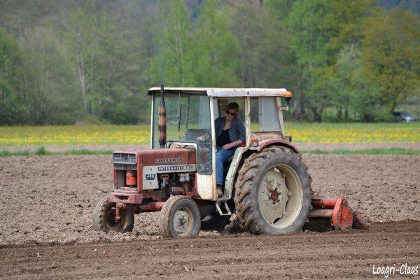 Préparations des Terres 2012 --> --> International 423