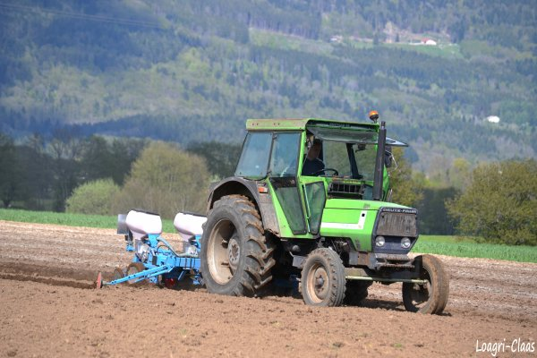Semis de Maïs 2012 --> --> Deutz-Fahr DX 4.10