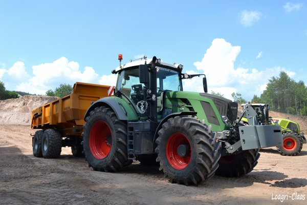 Terrassement --> --> Fendt 824 Vario ( Part I )
