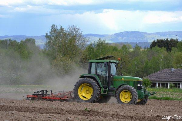 Préparations des Terres 2012 --> --> John Deere 6600