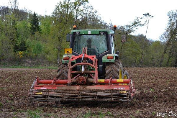 Préparations des Terres 2012 --> --> John Deere 6310