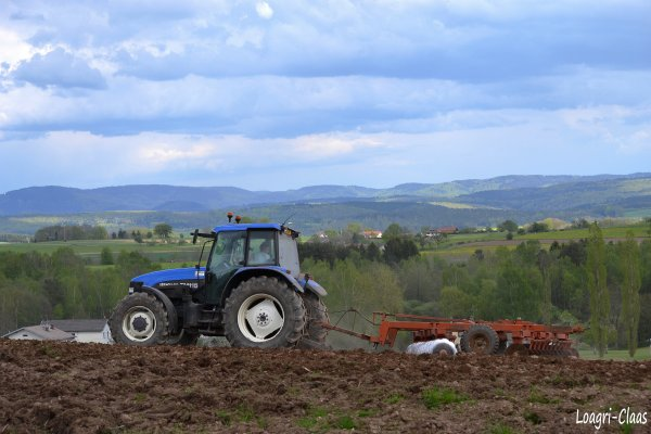 Préparations des Terres 2012 --> --> New-Holland TM115