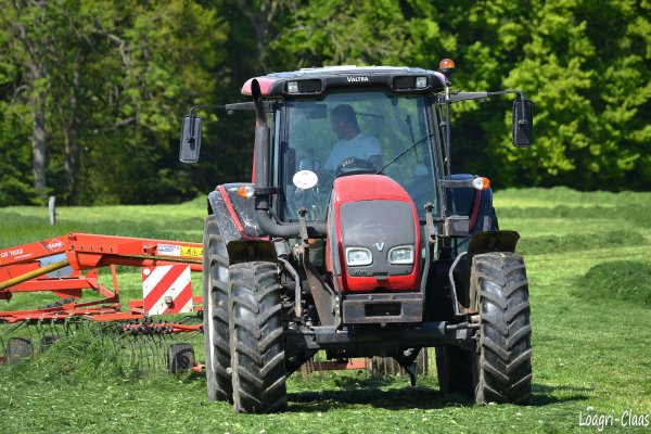 Andainage 2012 --> --> Valtra N101