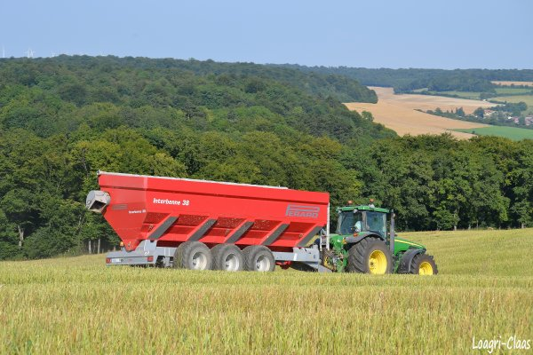 Moisson 2012 - Big Harvest --> --> John Deere 8520 & Perrard Interbenne 38 !