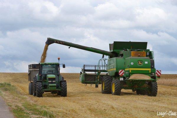 Moisson 2012 --> --> John Deere T660 HillMaster