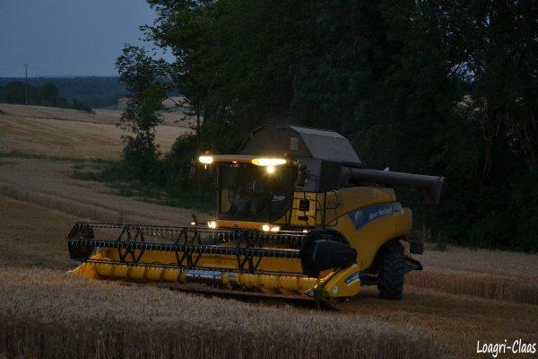 Moisson 2012 --> New-Holland CR 9070 Elévation