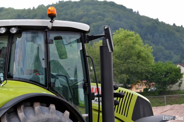 Terrassement 2012 --> --> Claas Axion 850