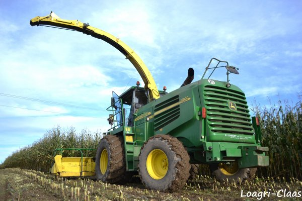 Ensilage de Maïs 2012 --> --> John Deere 7400